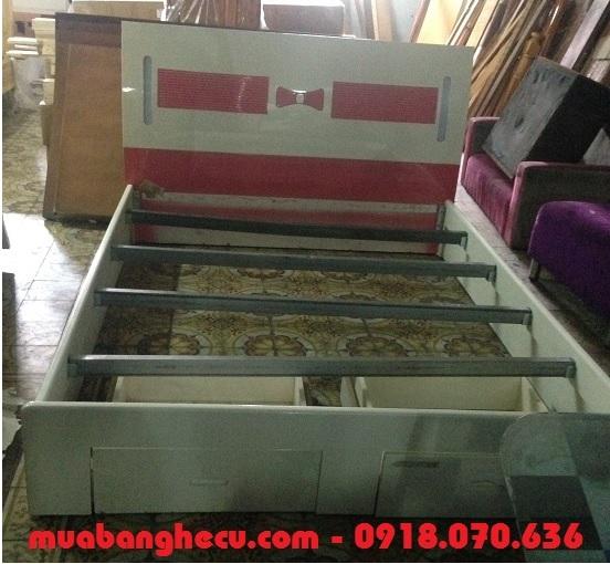 giường gỗ ép MDF
