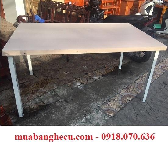 bàn gỗ chân sắt