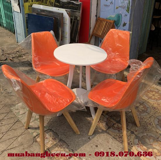 Thanh Lý Bàn Ghế Cafe Chân Gỗ Cao Cấp -1