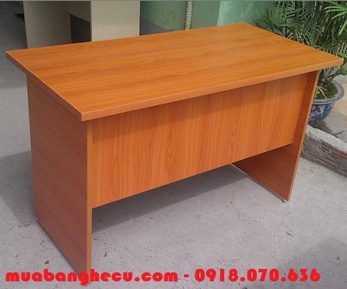 thanh lý bàn gỗ cho văn phòng