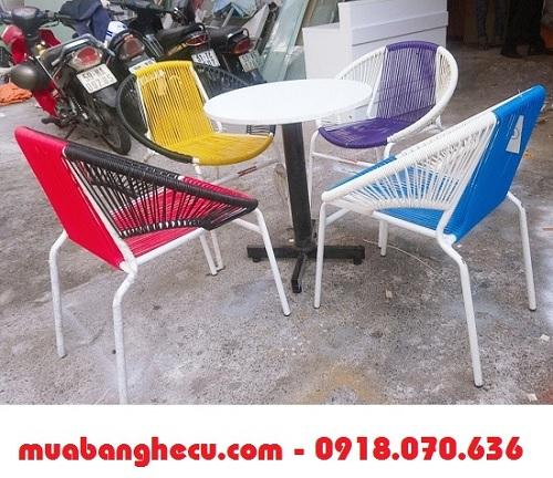bàn ghế sân vườn thanh lý
