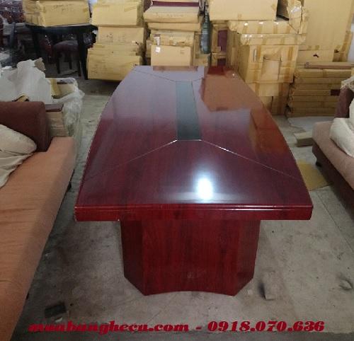 bán bàn họp với chất liệu gỗ