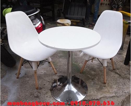 bàn ghế trà sữa cũ