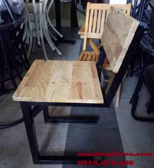 bàn ghế gỗ pallet thanh lý